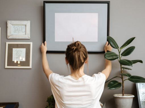 House Digest: The Best Way To Hang Artwork When You're Renting